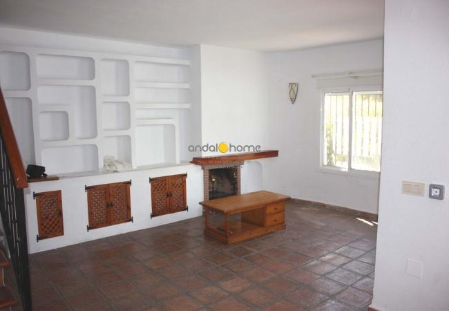 Málaga, 3 Habitaciones Habitaciones, ,1 BañoBathrooms,Chalet / Villa,Se Vende,1018