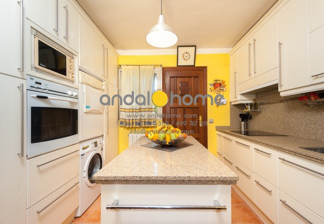 Málaga, 3 Habitaciones Habitaciones,1 BañoBathrooms,Chalet / Villa,Se Vende,1020